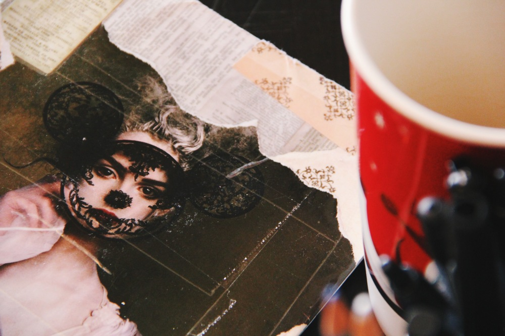mask and face, fables and coffee post