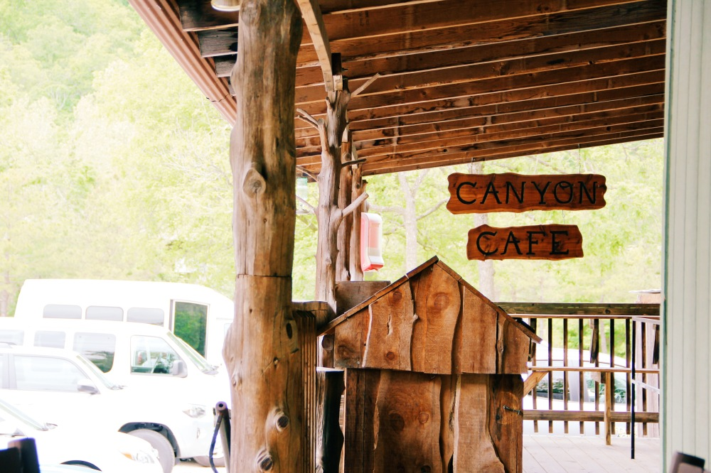 Canyon Cafe, Missouri